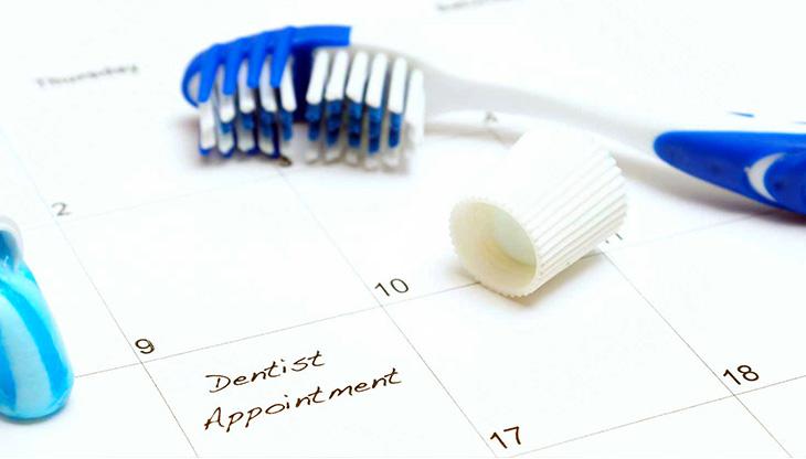 اسنان الاطفال - الوقت المناسب لزيارة طبيب الأسنان