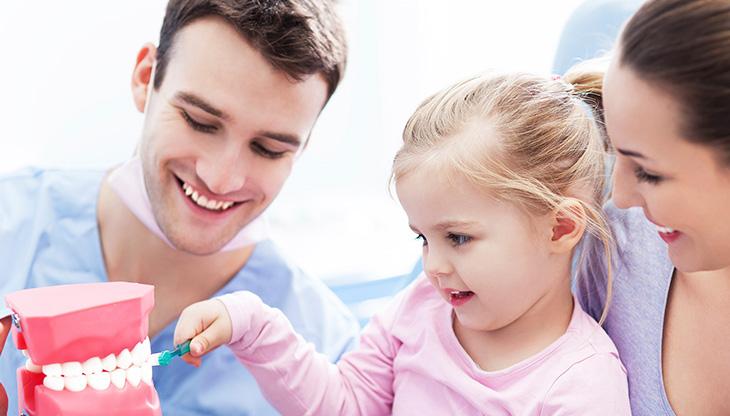 صحة فم الاطفال: كيفية العناية باسنان الاطفال